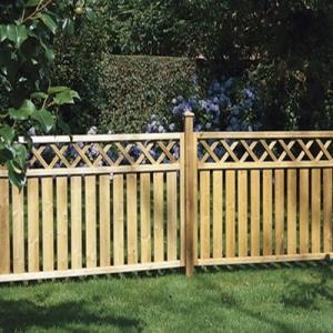 Деревянный забор штакетник для ограждения участков коттеджных поселков и таунхаусов